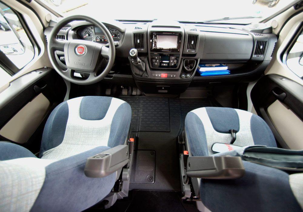 asiento piloto y copiloto de alquiler de autocaravanas bilbao