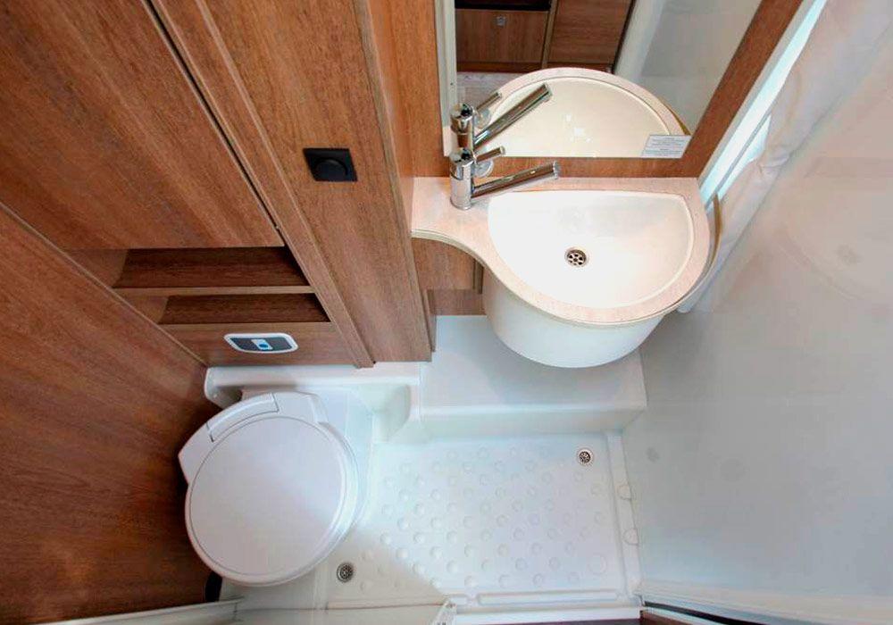 baño y ducha de alquiler de autocaravanas cantabria