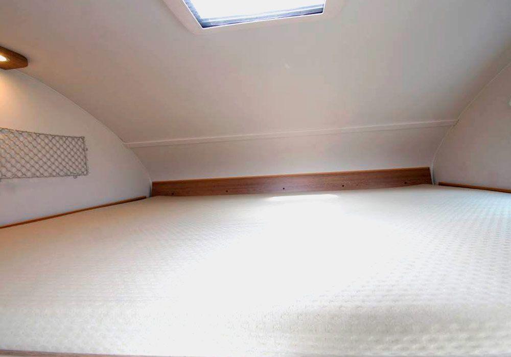 cama dormitorio de alquiler de autocaravanas bizkaia