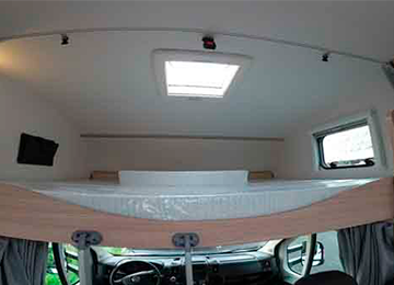 A72P - Alquiler autocaravanas Cantabria imagen litera desde cerca