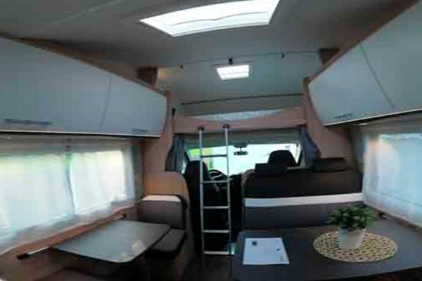A72G - Alquiler autocaravanas Cantabria imagen interior desde atras
